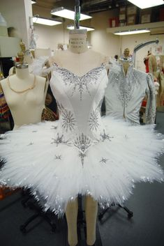 "Another beautiful costume. Costumes like it traditionally used in Balanchine's ballet ""The Nutcracker"". This costume is for the Waltz of the Snowflake dance. Ballet Tutu, Ballet Dancers, Ballerinas, Dance Costumes Ballet, Bolshoi Ballet, Mode Outfits, Dance Outfits, Nutcracker Costumes, Fairy Costumes"