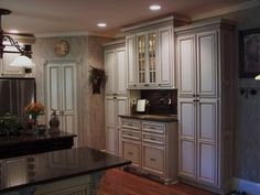 Painted and Glazed kitchen Cabinets - Traditional - Kitchen - atlanta - by Kbwalls