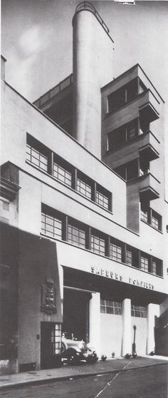 Rob. Mallet-Stevens, Firehouse, Rue Mesnil, Paris 1935.