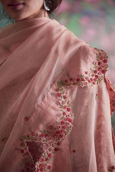 Best 12 for digonal stripes kurti – Page 314266880248227582 – SkillOfKing. Embroidery On Clothes, Embroidery Fashion, Embroidery Dress, Hand Work Embroidery, Beaded Embroidery, Kurti Designs Party Wear, Kurta Designs, Saree Blouse Designs, Dress Indian Style
