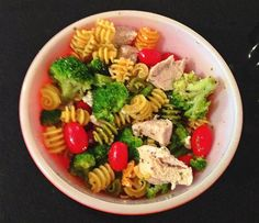 [Recipes] High Protein, Gluten-Free, Chicken Feta Pasta Salad — This recipe for Gluten-Free Chicken Feta Pasta salad is loaded with PROTEIN, fiber, vitamins C & K, and antioxidants, and comes together in roughly 10 minutes.