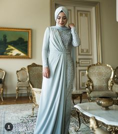 Party Clothes Hijab - Long Sleeve Party Dresses With Hijab. Source by clothes hijab Trendy Dresses, Elegant Dresses, Nice Dresses, Prom Dresses, Dresses With Sleeves, Bridesmaid Dresses Long Sleeve, Dress Prom, Dress Outfits, Fashion Dresses
