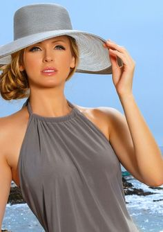 040678f7e2f Beach Wear For Women Outfits, Classic Outfits For Women, Summer Outfits  Women Over