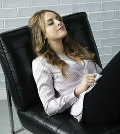 Elizabeth Gillies stars in the series as Fallon Carrington, a young executive at her family's energy company, who finds herself in competition with her billionaire father's fiancée Cristal. Elizabeth Gillies, Mary Elizabeth, Liz Gilles, Jade West, Victoria Justice, Girl Crushes, Pretty Woman, Kylie Jenner, Actresses