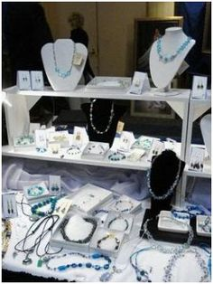 lots of links to useful tips & info for jewelry biz (display, photos, selling, etc.)
