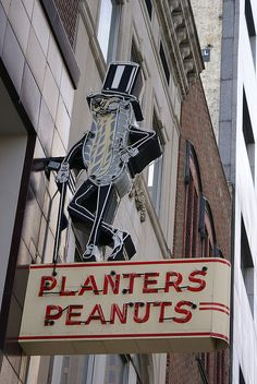 Columbus, OH - Planters Peanuts sign