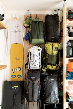 Camping Equipment, Camping Gear, Outdoor Rooms, Outdoor Gear, Garage Solutions, Small House Interior Design, Garage Interior, Camping Style, Beach Day