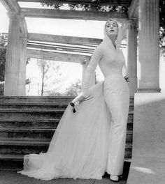 Alberto Korda, the world's most famous Cuban photographer Famous Cubans, Cuban Culture, Vintage Havana, Hollywood Celebrities, One Shoulder Wedding Dress, Fashion Photography, High Neck Dress, Black And White, Wedding Dresses