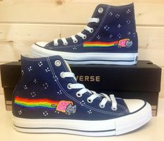 I'd totally wear these *-*  Even if they're terribly uncomfortable as Converse usually is *-*