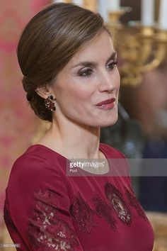 Queen Letizia of Spain receives foreign ambassadors at the Royal Palace on January 26, 2017 in Madrid, Spain.  (Photo by Jose Oliva - Poo/ Getty Images)