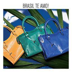Quer aproveitar a Copa do Mundo 2014 no Brasil em grande estilo? A Arezzo desenvolveu uma coleção cápsula que encanta pelo tema escolhido - o tropicalismo - a originalidade e os detalhes de algumas peças bem especiais.