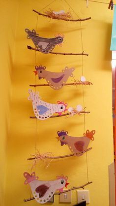 Chickens up the barrel . Bonga& idea and fell in love . Hühner hinauf dem Fass … Bongas Idee und verliebte sich non… Dasjenige Zeic… – Ostern Chickens up the barrel of Bonga& idea and fell in love with That Zeic - Butterfly Template, Butterfly Crafts, Diy And Crafts, Crafts For Kids, Arts And Crafts, Rock Crafts, Homemade Crafts, Easter Art, Easter Crafts