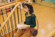 MEET ME AT THE LIBRARY !!!  Các cô gái đáng yêu đã có dự định gì cho cuối tuần này chưa, #TEAMONS chúng mình thì đã có một buổi gặp gỡ thú vị ở thư viện. Và đây là một số hình ảnh dễ thương của cô bạn xinh đẹp trong trang phục của Oyster and Snail với những màu áo len mới nhất đã được #restock toàn bộ hiện ĐÃ CÓ SẴN tại cửa hàng.✨ Các cô gái đáng yêu hãy nhanh ghé shopping cùng chúng mình hoặc inbox để đặt mua online trước khi các mẫu áo len đang là #HOTITEMS này lại hết một lần nữa...