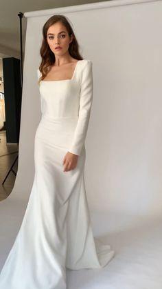 Classy Wedding Dress, Minimalist Wedding Dresses, Classy Dress, Dream Wedding Dresses, Bridal Dresses, Bridesmaid Dresses, Unusual Wedding Dresses, Simple Dresses, Elegant Dresses