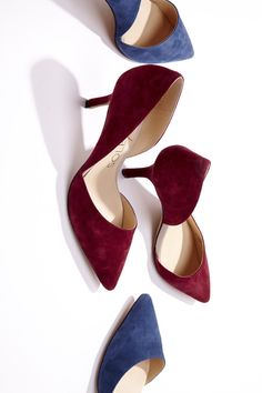 Best selling d'Orsay mid heel with a pointed toe. The epitome of office-to-out.