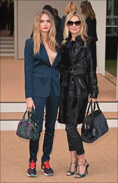 Cara Delevingne & Kate Moss at the Burberry Prorsum S/S 2015 show ✖️ so chic