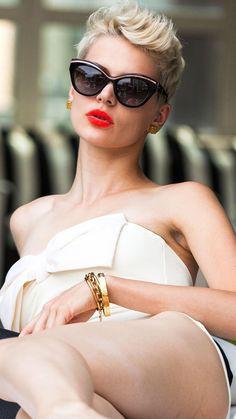 #LadyBillionaire - #Luxurydotcom