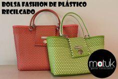 Bolsa fashion de plástico reciclado tejida a mano. Escoge los colores que más te gusten.  Handmade fashion bag of recycled plastic. Choose your favorit color