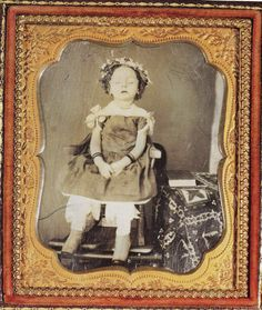 "Memento Mori (""Remember You Must Die"") - Post-Mortem Photography Asian History, British History, Tudor History, Memento Mori, Vintage Photographs, Vintage Photos, Vintage Postcards, Post Mortem Pictures, Post Mortem Photography"