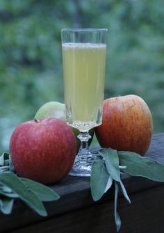 'The Good Apple' cocktail --> http://www.hgtvgardens.com/recipes/fall-cocktail-the-good-apple?soc=pinterest