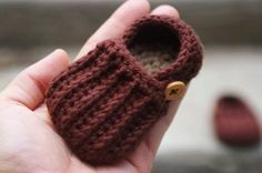Baby Boy Booties CROCHET PATTERN for  Easy On Loafers Crochet Pattern 104