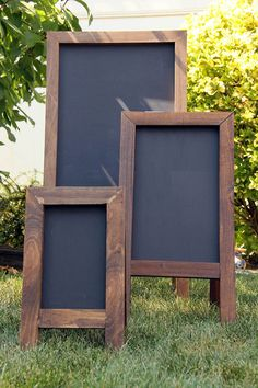 DIY Chalkboard Easels - All About Decoration Diy Projects To Try, Wood Projects, Woodworking Projects, Woodworking Jointer, Woodworking Classes, Diy Easel, Diy Wedding Easel, Wedding Signs, Wooden Easel