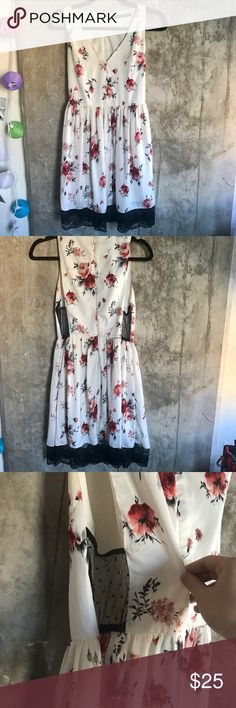 Zara Floral Lace Dress Just in time for the spring! This beautiful Zara piece features a lace hem & see-through mesh sides. Discontinued @ Zara. Worn several times, but still in good condition. Zara Dresses Mini