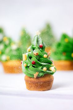 Kerstboom cupcakes Let It Snow, Mini Cupcakes, Avocado Toast, Pudding, Baking, Breakfast, Desserts, Christmas, Bullet Journal