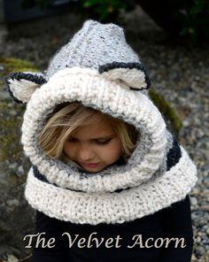 Wren Wolf Cowl pattern by Heidi May Crochet Hooded Cowl, Knit Or Crochet, Crochet Hats, Knitting For Kids, Knitting Projects, Crochet Projects, Knitted Balaclava, Knitted Hats, Easy Crochet Patterns