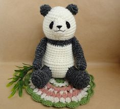 Just pic: amigurumi panda: にっこりパンダのあみぐるみ・お花モチーフつき by amiboku ぬいぐるみ・人形 あみぐるみ