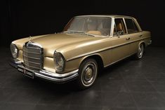 Classic Car News Pics And Videos From Around The World Vintage Cars, Antique Cars, Mercedes Maybach, Classic Mercedes, Cool Cars, Classic Cars, Automobile, Trains, Jazz