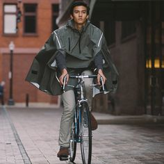 Technical fabrics and features packed into a highly functional piece of outerwear
