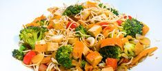 With its red pepper slices and green broccoli florets, this merry medley will brighten any holiday table. Sara Lindler of Irmo, South Carolina uses mild seasonings to let the variety of veggie flavors shine through. Vegetable Medley, Vegetable Salad, Vegetable Side Dishes, Yummy Vegetable Recipes, Side Dish Recipes, Healthy Recipes, Ketogenic Recipes, Healthy Foods, Colorful Vegetables