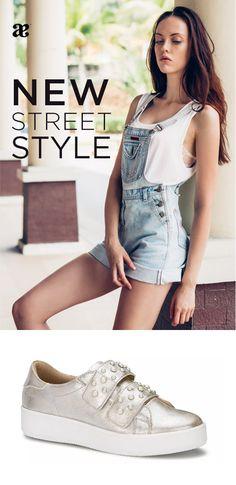 Las #perlas invade los mejores #estilos #urbanos con #sneakers que agregarán un toque #sofisticado especial a tus look Andrea Mexico, New Street Style, Women's Fashion, Sneakers, Shoe Collection, Clothing, Street Styles, Pearls, Feminine Fashion