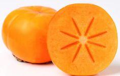 Riquísima fruta otoñal 💪💪...aunque no debemos abusar de ella por ser una fruta dulce🍊  me encanta comerla antes de las comidas y además tiene fantásticas propiedes. 😄 ✔️Destaca por su contenido en #betacaroteno o provitamina A, que se transforma en #vitaminaA conforme el organismo lo necesita, y esta vitamina es esencial para el buen estado de los huesos, #piel, #cabello, mucosas, así como para un correcto funcionamiento del sistema inmunológico. ✔️vitaminaC, la cual interviene en la…