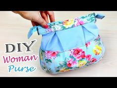 In this DIY video I will show you how to sew a cute bag with your own hands. As you can see from a piece of fabric you can easily sew a beautiful fash. Diy Bag With Zipper, Zipper Bags, Zipper Pouch, Diy Crafts Tv, Diy Purse Organizer, Diy Bags Tutorial, Little Bag, Womens Purses, Cute Designs