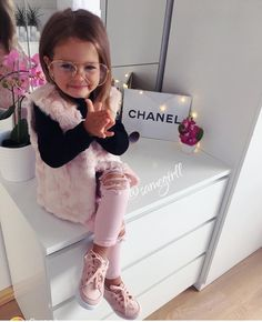 To place order DM us or whatsapp on 6394837380 Cute Little Girls Outfits, Little Boy Fashion, Baby Girl Fashion, Toddler Fashion, Kids Fashion, Cute Toddler Girl Clothes, Toddler Girl Style, Toddler Girl Outfits, Cute Baby Girl