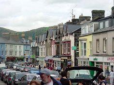 Porthmadog, Wales, High Street   Ingin-ordaag da'n lhieggan shoh ec 14:01, 26 Luanistyn 2008
