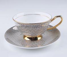 Jogo de Xícaras de Chá Detalhe Dourado