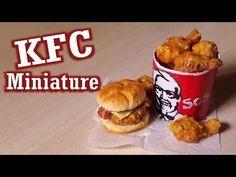 How to: Make KFC Inspired Miniature Food - Polymer Clay Tutorial; Barbie Food, Doll Food, Polymer Clay Miniatures, Polymer Clay Charms, Dollhouse Miniatures, Kfc, Comida American Girl, Clay Food, Little Doll