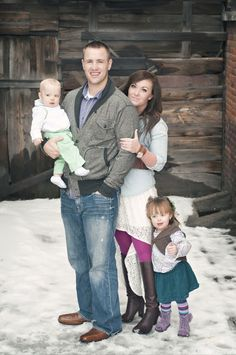 outfit ideas for family pictures. #fashion #pictures #photography