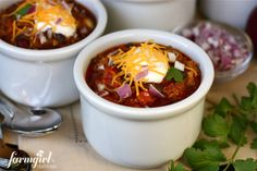 6-Hour Slow Cooker Chili {my family's favorite} - from a farmgirl's dabbles