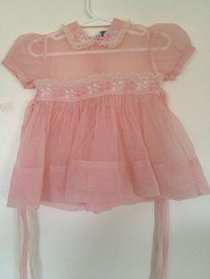 Vintage Baby Dress vintage-baby Looks like Nancy's dress ~ mine was red. Vintage Baby Dresses, Vintage Baby Clothes, Vintage Outfits, Vintage Fashion, Kids Clothing Brands, Baby Girl Bedding, Retro Baby, Mode Vintage, Vintage Style