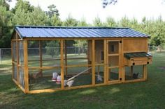If you want to set up a chicken coop, you should make sure that you do your research first. Be sure you know precisely what you must do before you get started. Backyard Chicken Coop Plans, Chicken Coop Run, Chicken Home, Chicken Cages, Chicken Pen, Chicken Tractors, Building A Chicken Coop, Chickens Backyard, Chicken Coop Designs