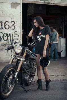 #girls #motorcycles #motos | caferacerpasion.com