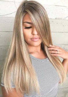 Spectacular Side-Swept Hairstyles for Women With Style
