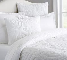 Pottery Barn's bedding collections it easy to create a stylish retreat. Find warm, quality bedding in a range of fabrics and colors to match any style. Teen Bedding Sets, Kids Comforter Sets, Bedding Sets Online, Paisley Bedding, Paisley Quilt, White Bedding, Girls Duvet Covers, Red Duvet Cover, Pottery Barn