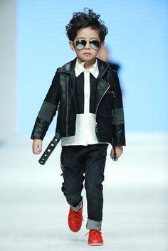 Mercedes Benz China International Fashion Week - Chao Tong Star Child Fashion Show SS16