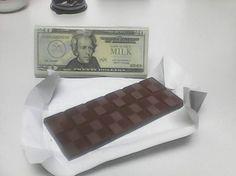 @Regrann_App Estos son los dólares que me gustan!: De chocolate! :D #dolar #dolares #Chocolate #candy #gift