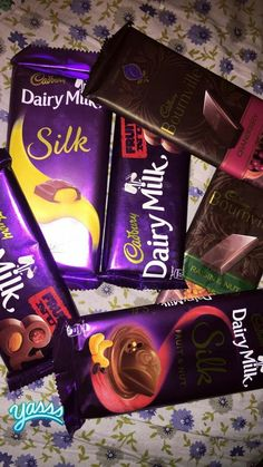 Food and Gardening Tips Dairy Milk Chocolate, Cadbury Dairy Milk, Love Chocolate, Chocolate Lovers, Chocolate Food, Dairy Milk Silk, Silk Milk, Girly Pictures, Food Pictures